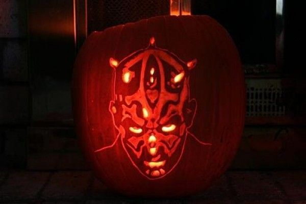 DIY : 20 sculptures de citrouille à la sauce Geek pour Halloween #sculpturesdecitrouille darth-maul-pumpkin-face #sculpturesdecitrouille DIY : 20 sculptures de citrouille à la sauce Geek pour Halloween #sculpturesdecitrouille darth-maul-pumpkin-face #sculpturesdecitrouille