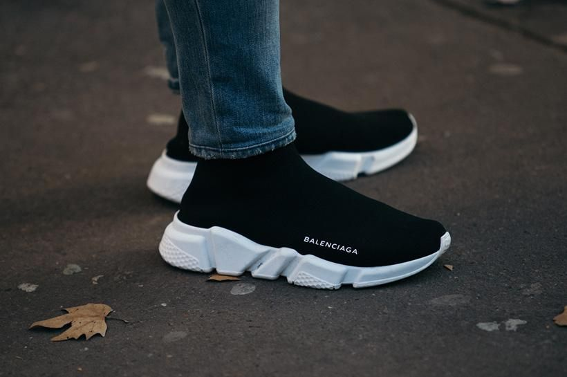 Balenciaga Speed Trainer Replica Triple Black Style Number 485625