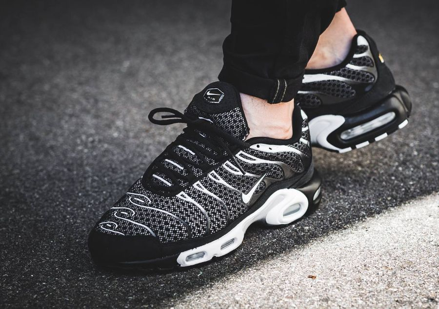 NikeLab Air Max Plus Requin Noire Black Salsa Red (2017