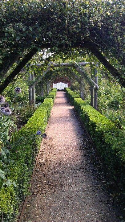Gardens of Mottisfont Abbey near Romsey | Garden, Romsey ...