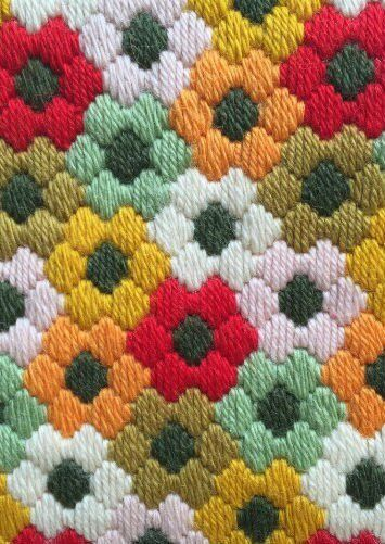 needlepoint flower pattern using a stain stitch #embroidery