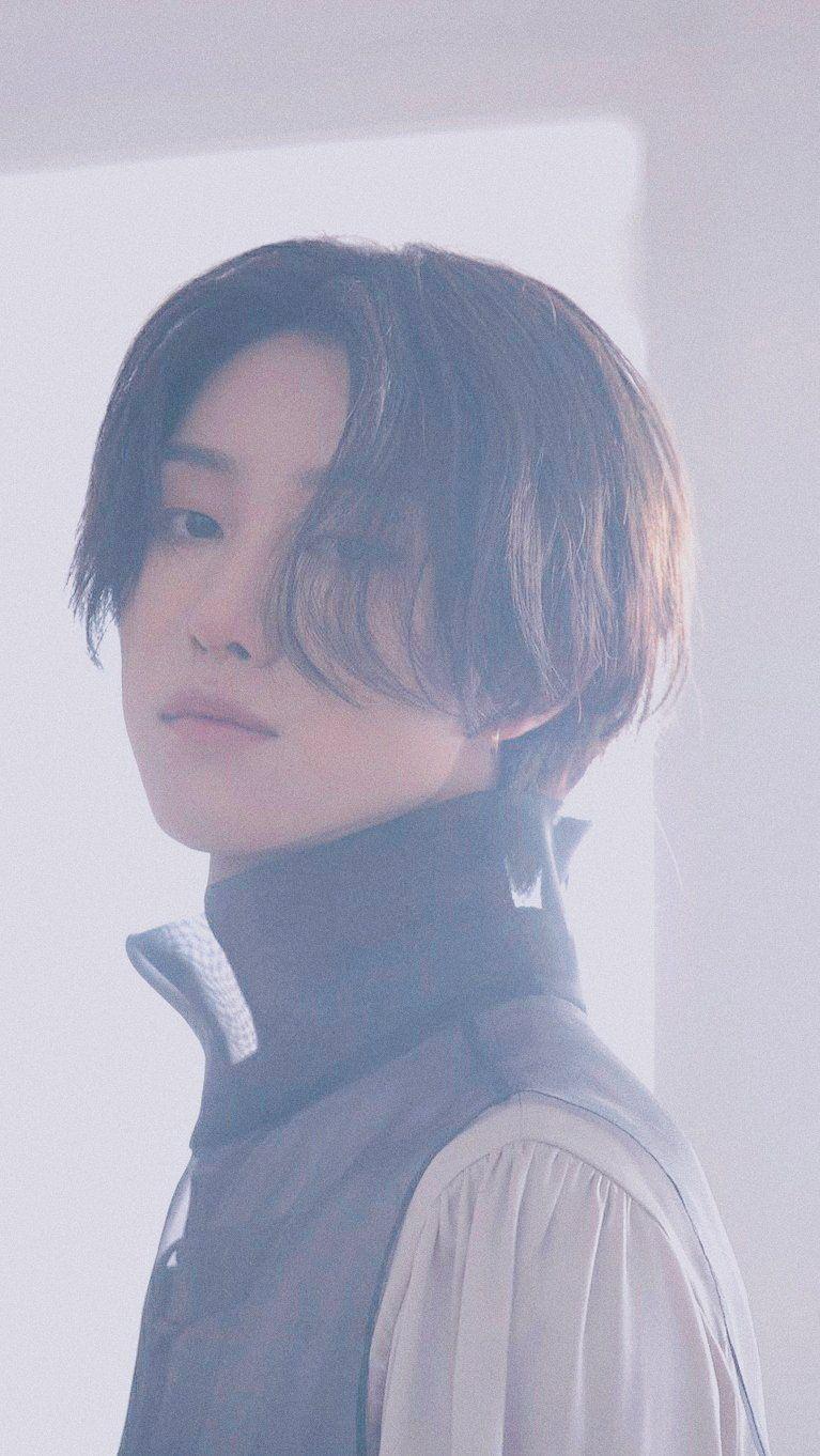 Seventeen Fallin' Flower aesthetic Wallpaper lockscreen ©️svtpicedits. Follow her on twitter! #seventeenwallpaper #seventeen #minghao #myungho #the8 #明浩 #명호 #디에잇 #세븐틴 #sebong #セブチ #ディエイト