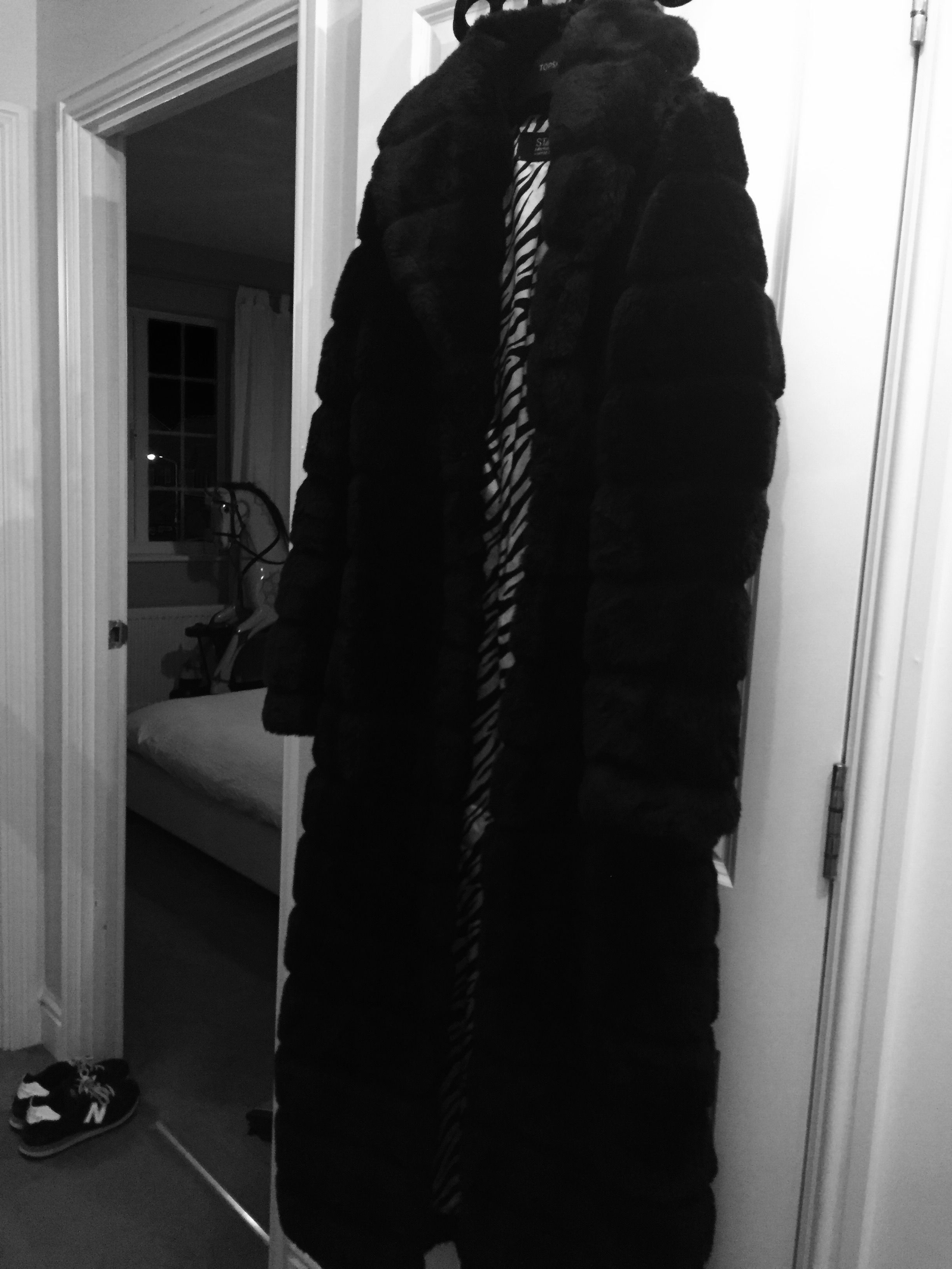 Vintage 1990s faux fur coat