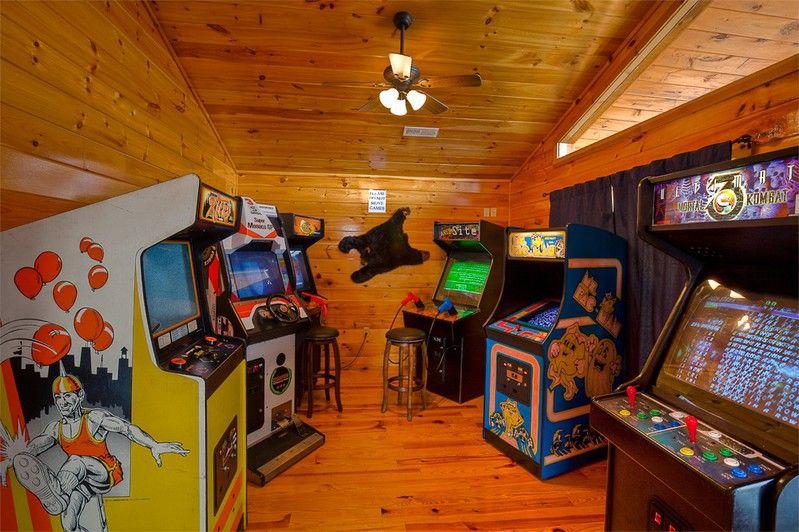 5 Bedroom Vacation Rental In Gatlinburg Tn Has Private