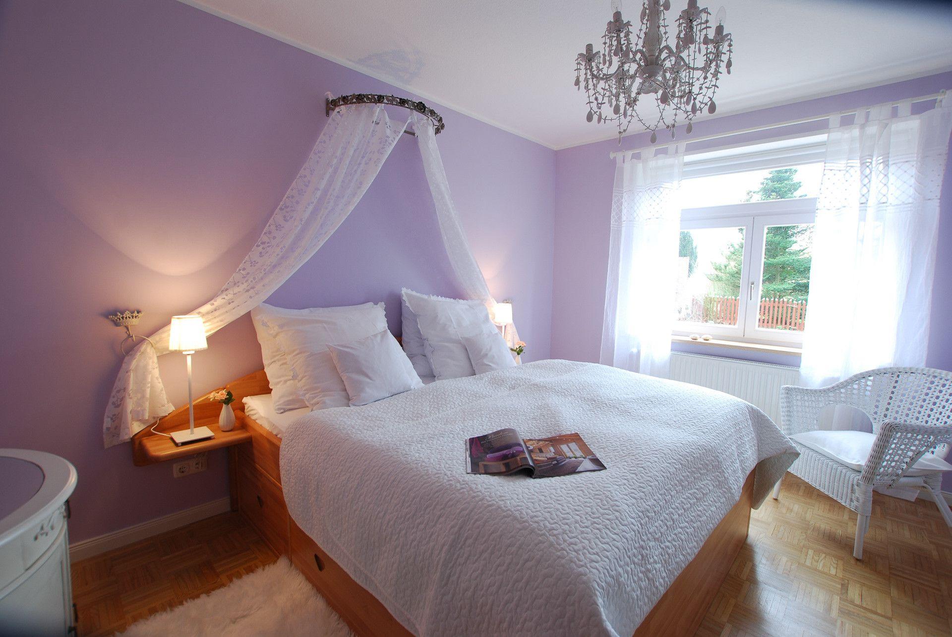 schlafzimmergestaltenflieder farbe.html Bedroom
