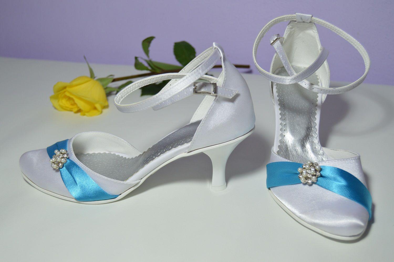 Svatební boty K-styl satén bílá + tyrkysová. Slož si i ty boty podle ... fbed732301