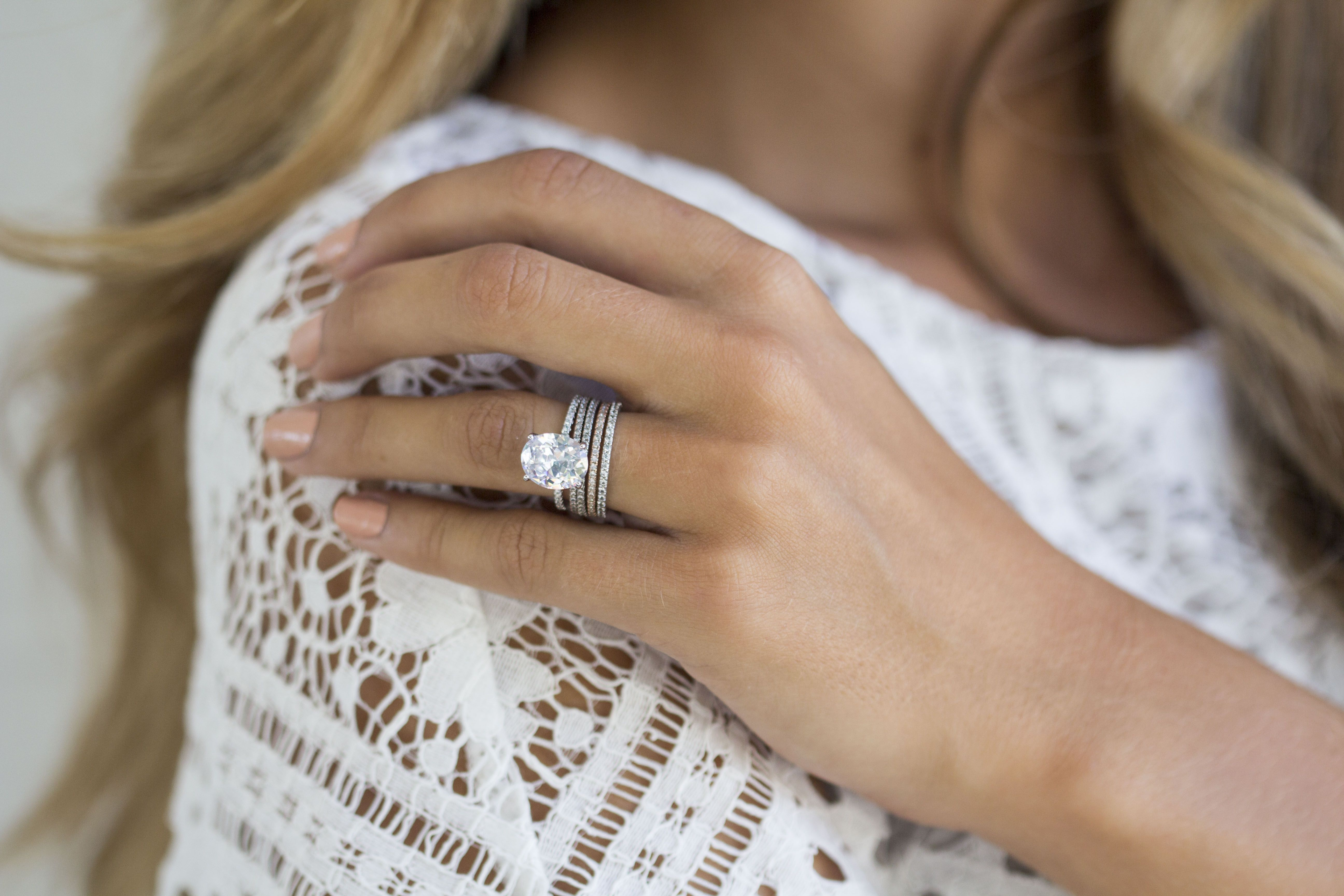 The Lively Ring Was Inspired By Blake Lively's Rock But Made Of A 3 Carat Oval Cut Simulated Diamond In Sterling Silver And Is Only 99 Everlyshop: Cat Maid Wedding Ring At Websimilar.org