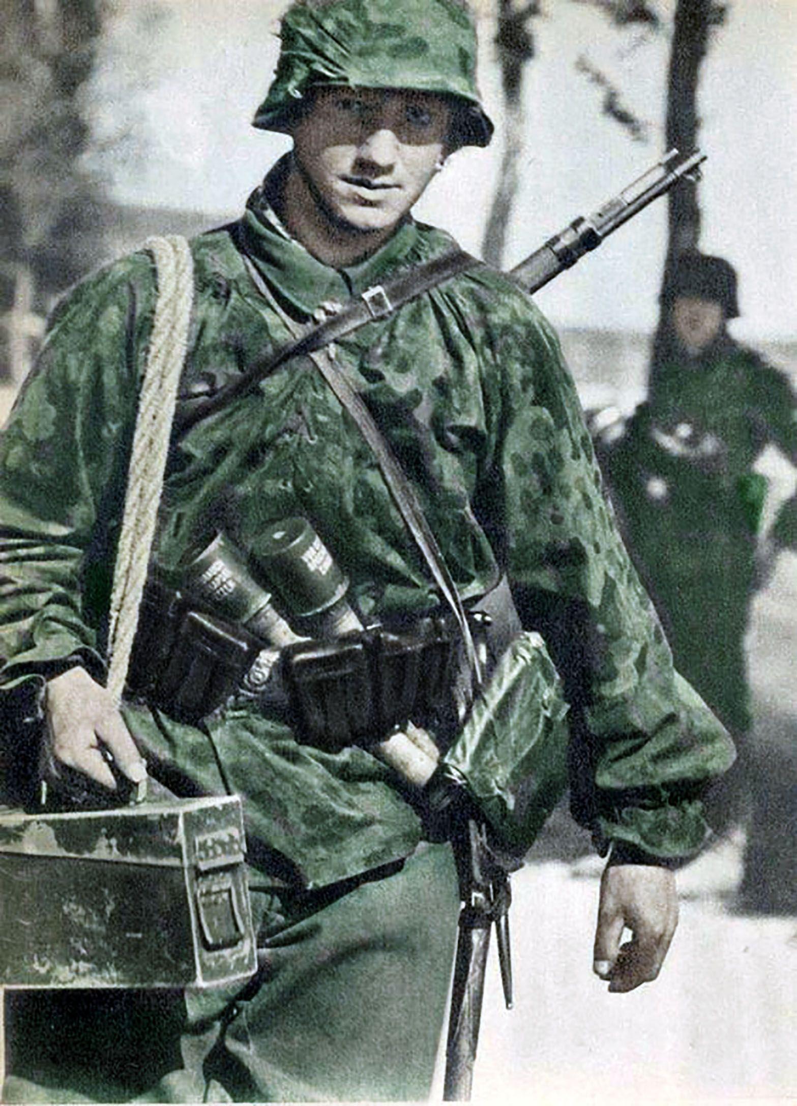 Pin Auf Ss Soldaten In Farbe