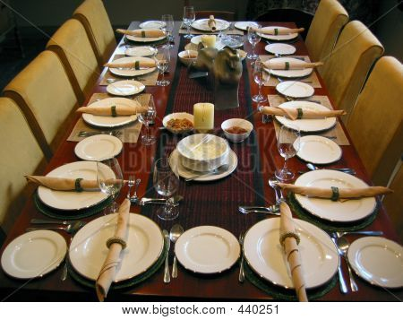 Dining Table Setting Decor Big Dinner Table Setting In A Dining Room With Some Ornate Decorations Big Dinner Table Dinner Table Setting Table Settings