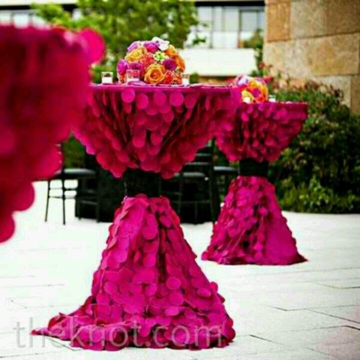 Hot #pink #tablecloths For A Bright And Fun Cocktail Hour. #Weddings