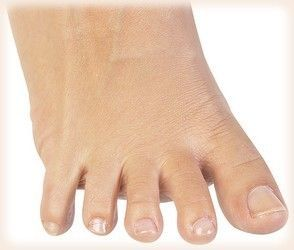 How To Treat Yellow Toenails Wide Range Of Nail Fungus Treatment Products Cure Toenail Get The Best Remedy