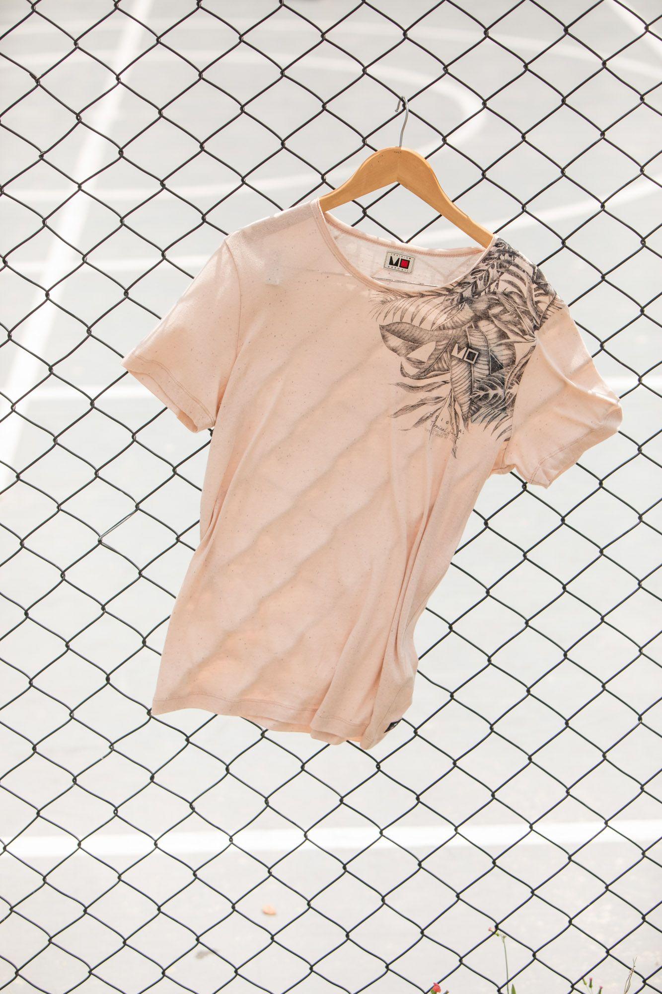 30ef09df2 Camiseta masculina, moda, tendências, lifestyle, óculos, relógios,  confecção, praia