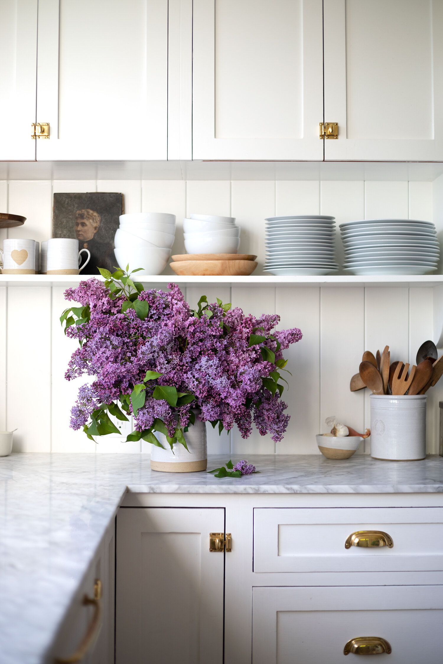 How To Arrange An Overflowing Bouquet Of Lilacs Keep Them From Wilting The Grit And Polish In 2020 Kitchen Decor Kitchen Remodel Home Kitchens