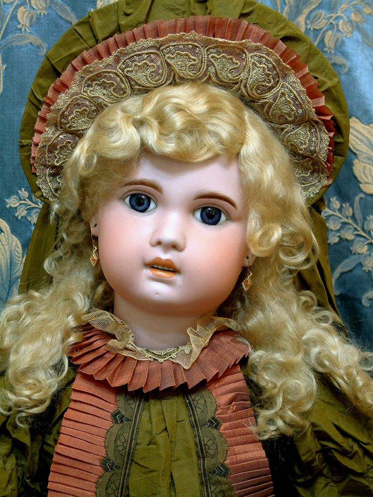 """kathylibratysdolls.com Mar 2011 33"""" HUGE 1907 JUMEAU FRENCH BEBE IN FABULOUS COSTUME! Bisque socket head on a fully jointed, Jumeau French composition and wood body. Lovely blue paperweight eyes."""