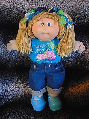 Cabbage-Patch-Kid-1982-Vintage-Girl-Doll-Floral-Outfit-Sparkles-Shoes-Free-Ship