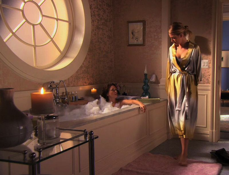 Blair Waldorfs Bathroom In Gossip Girl. Always Loved It Because Itu0027s In The  Middle Of Serenas And Her Room And You Can Enter From Both Sides.