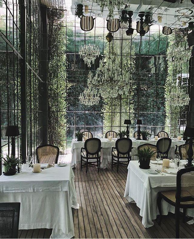 Meister s hotel irma meran italy in 2019 restaurant for Hotel decor for sale