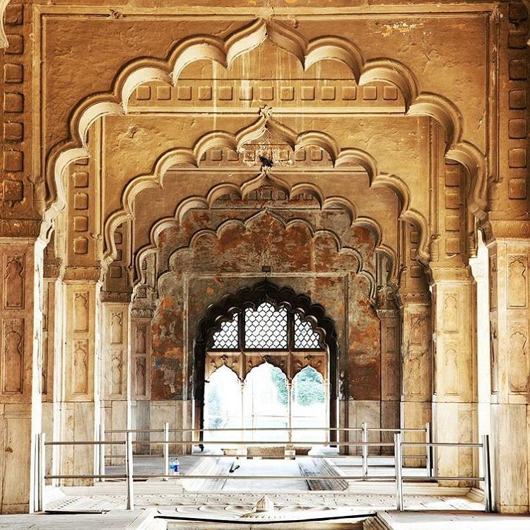 The majestic diwan e khas at red fort in delhi plan a for Diwan e khas agra fort