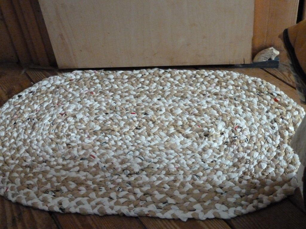 Crochet recycled plastic bags - How To Make A Rug From Plastic Grocery Bags