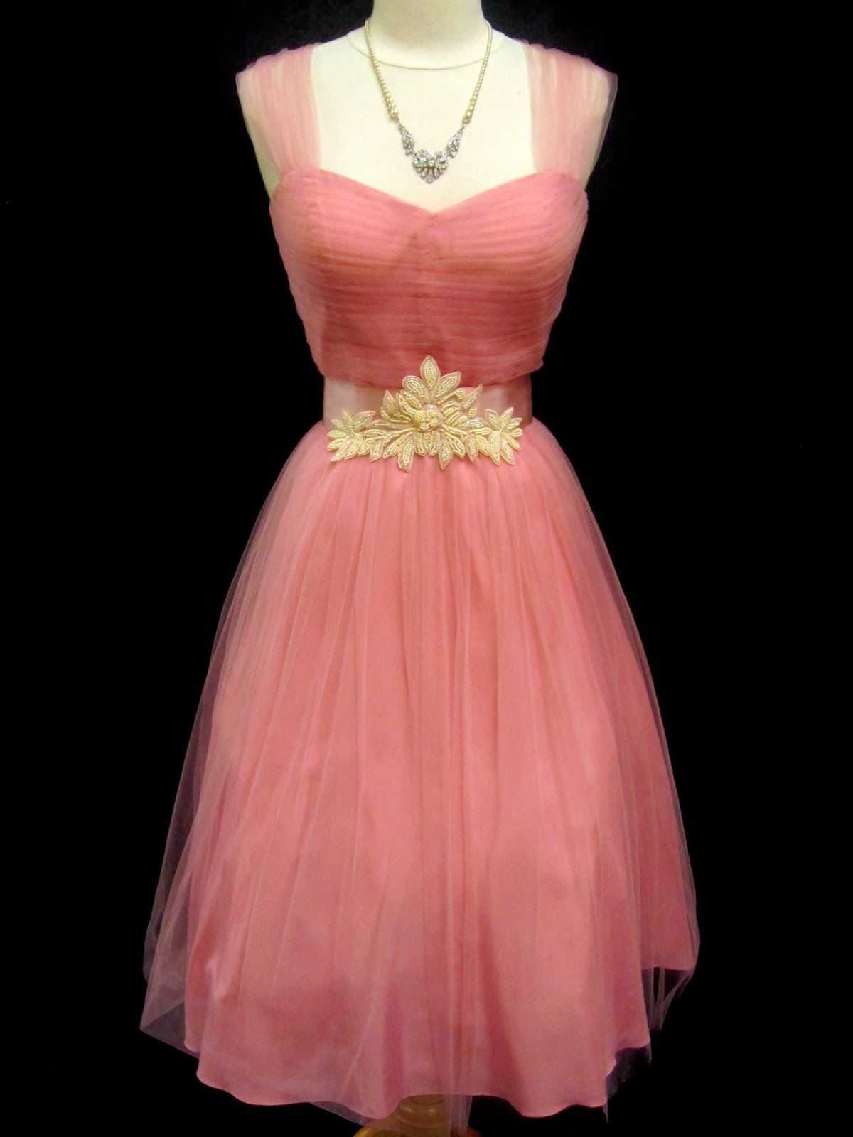 Attractive 1940s Prom Dress Embellishment - Colorful Wedding Dress ...