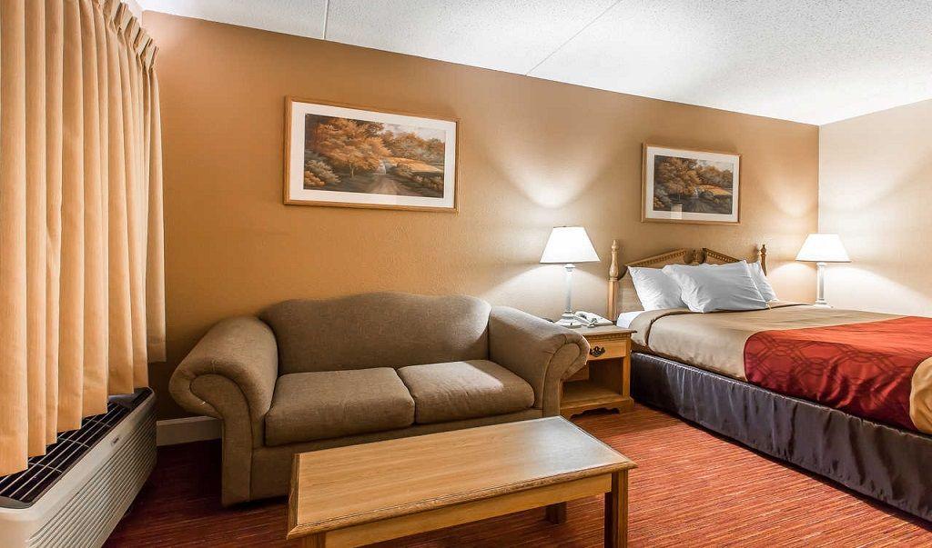 Reserve Https Www Econolodgehuntsvillealabama Com Econo Lodge Inn Suites Huntsville 3788 University Dr Huntsville Alabama Suites Lodge Home