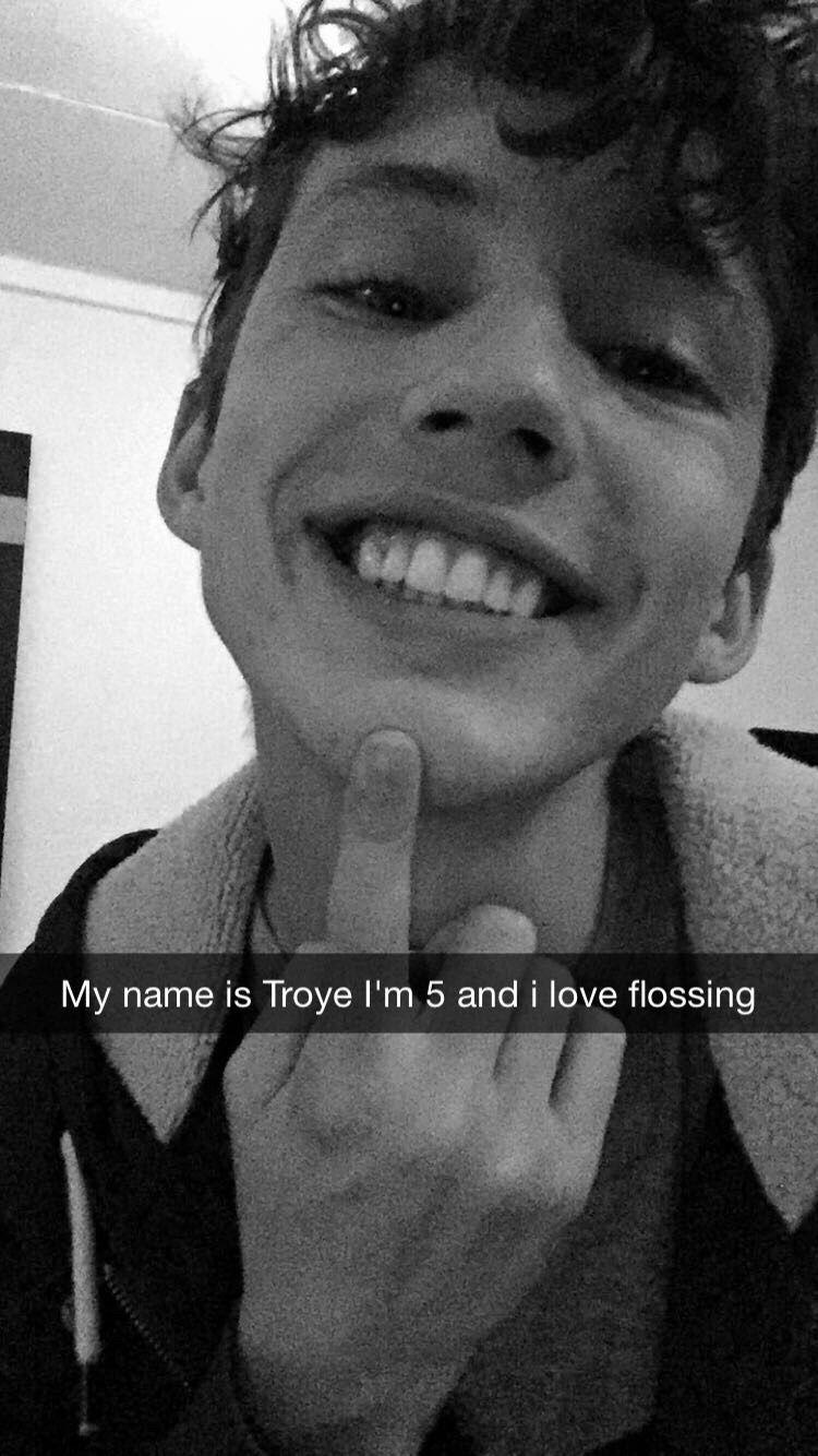 Troye sivan lyrics google search troye sivan in 2018 - Swimming pools lyrics troye sivan ...