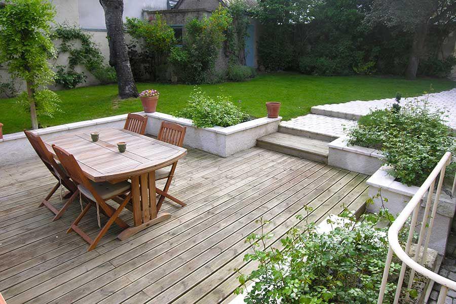 ici la terrasse est ceintur e par un muret et de massifs 33 serrault jardins in 2018. Black Bedroom Furniture Sets. Home Design Ideas