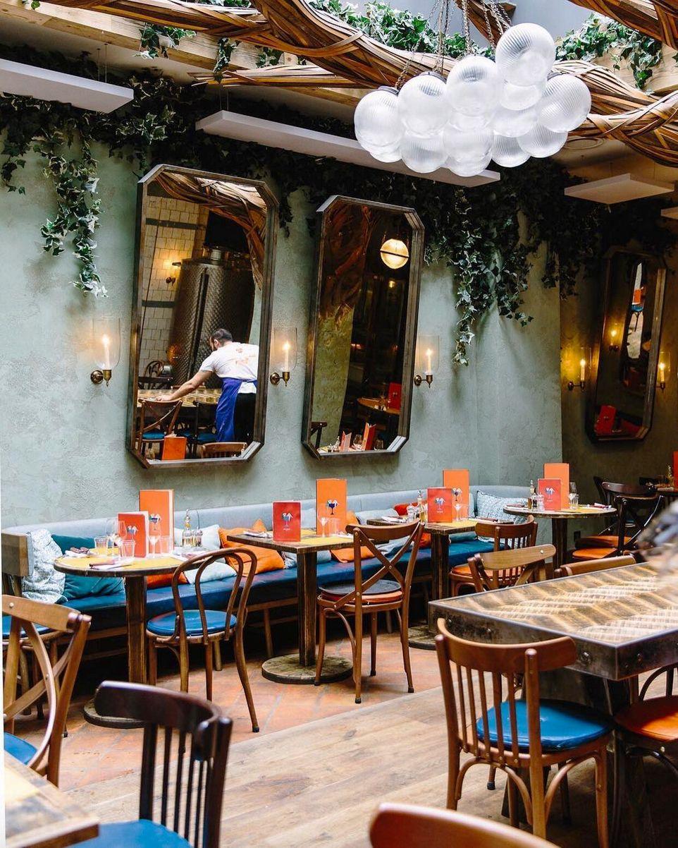 d8cfa7c0e884 The Paris Lunch Guide - Paris Like A Local by Sartreuse