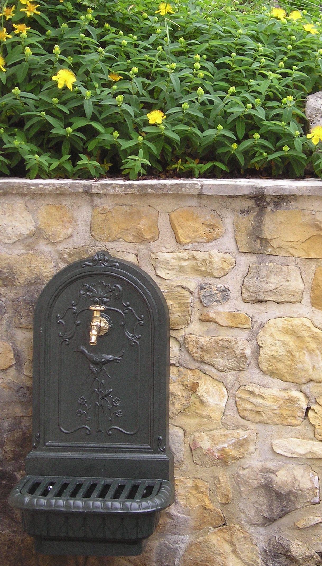 Fontaine murale en situation_Excideuil_Dordogne