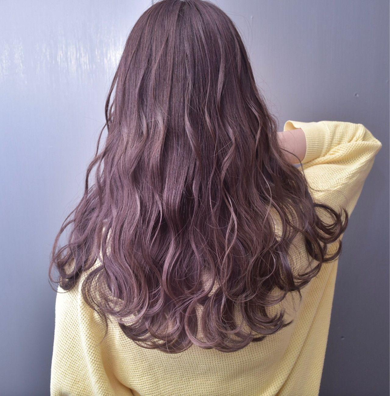 髪色自由ならやってみたいカラーがこれ 女子っぽピンクラベンダーアッシュで甘く見せて 髪 色 髪 カラー バイオレット ヘアカラー