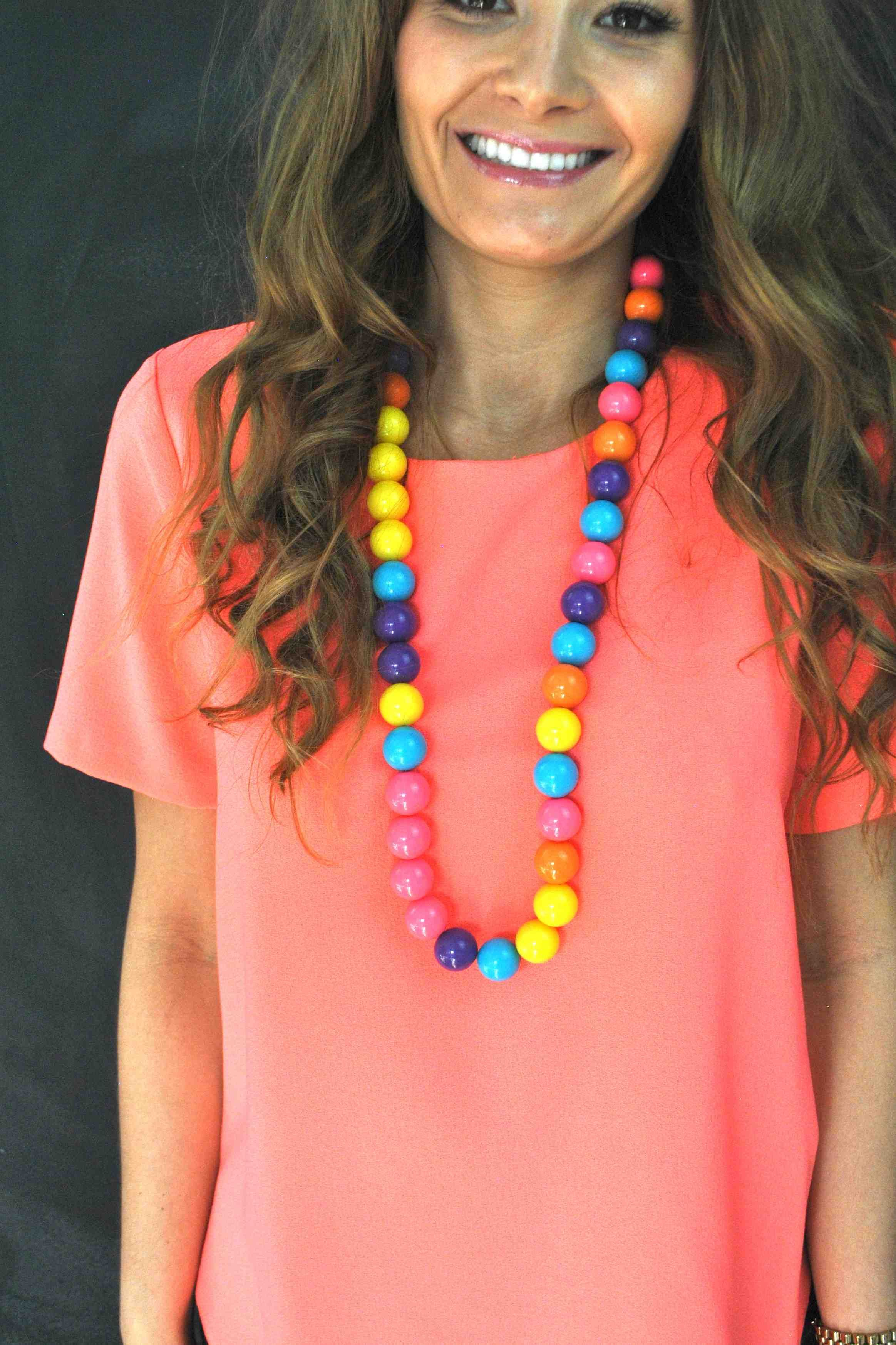 8 Ways To Design A Chunky Necklace Chunky Necklace Bubblegum Beads Necklace