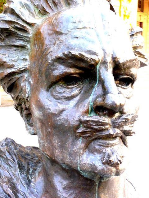 Kirjabloki : Näytelmiensä näköinen August Strindberg kärsii