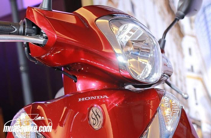 Đánh giá xe Honda SH Mode 2018 - Giá xe SH Mode 2018 mới nhất hôm nay. Các đại lý chào bán dòng xe này với giá khoảng 63,5 triệu đồng cho phiên bản cá tính, trong khi phiên bản thời trang có giá rẻ hơn khoảng 5 triệu đồng, ở mức 58,5 triệu. Giá bán lẻ đề xuất Honda Việt Nam đưa ra cho 2 phiên bản thời trang, cá tính lần lượt 51,5 triệu và 52,5 triệu đồng. Xem thêm tại https://muasamxe.com/