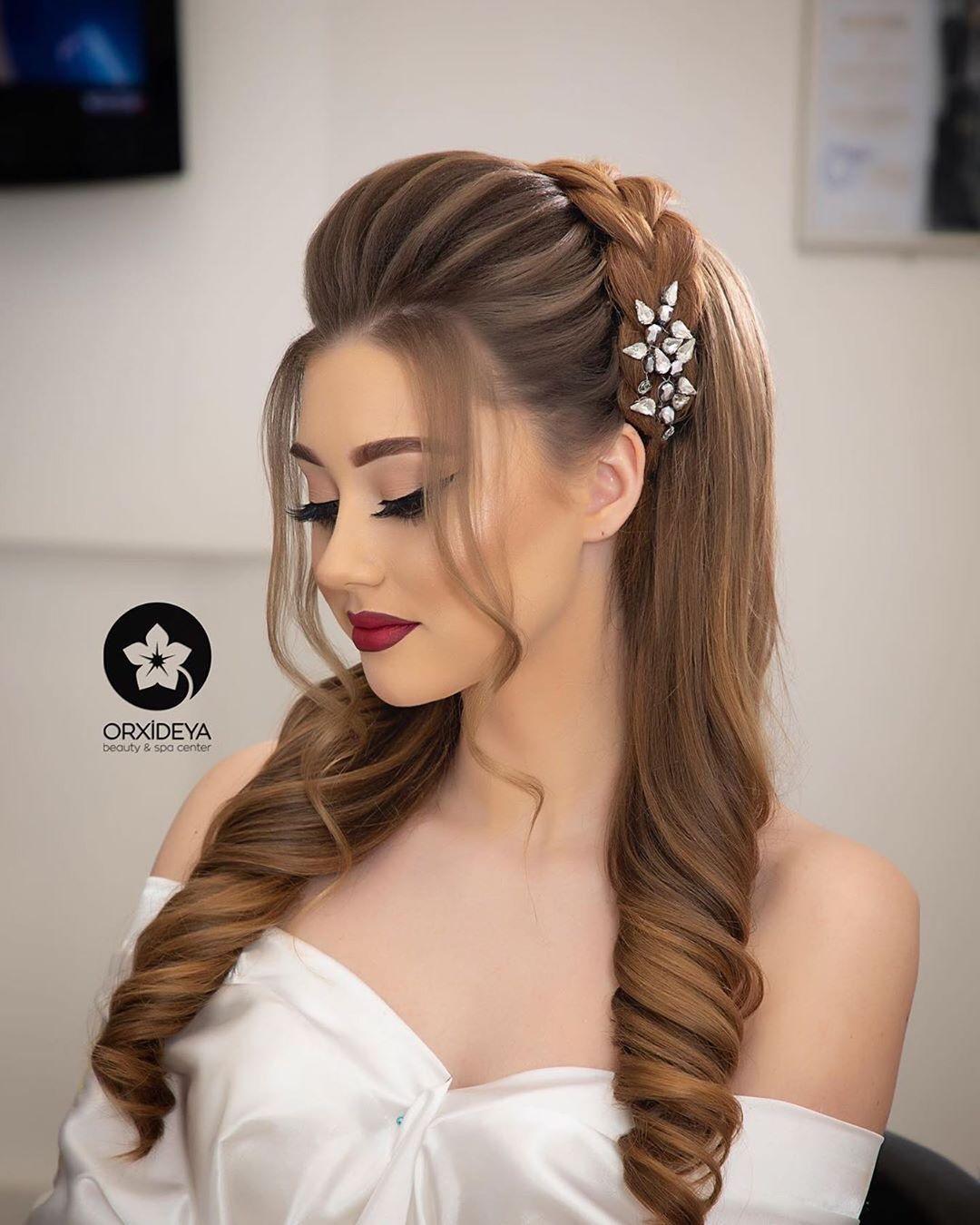 385 Likes 1 Comments Gelin Sac Makiyaj Wedding Orxideyabeauty Vip On Instagram Sac Duzumu Stilist Front Hair Styles Bridal Hair Buns Hair Styles