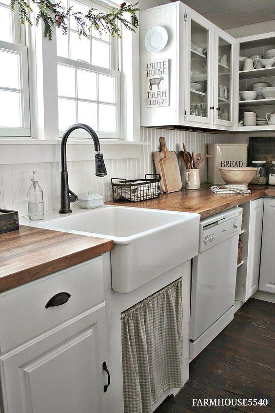 Farmhouse kitchen decor ideas - So many beautiful ways to transform your kitchen with authentic farmhouse style.