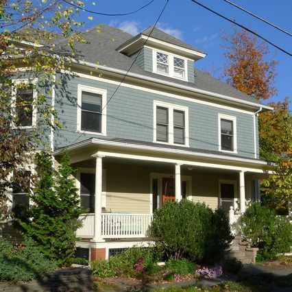 Benjamin Moore Smoky Mountain Above Amy Woolf Color Consulting Northampton Ma Exteriors Exterior Paint Colors For House Stucco House Colors Stucco Homes
