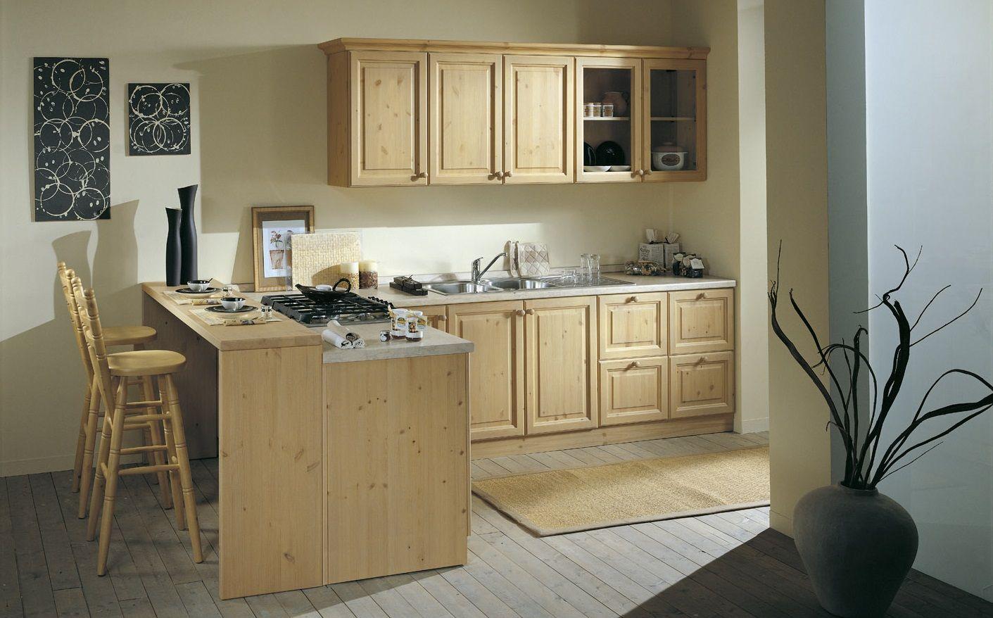 Cucina componibile su misura, costruita in pino massello ...