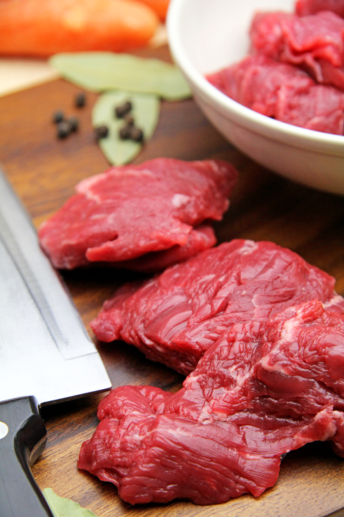 This chuck steak is from Red Ruby Devon beef reared by The Beefsmith in South Norfolk.   It comes ready-diced in good-sized pieces. It is fairly lean and cooks to a soft open texture making the meat lovely and tender. The flavour is good too with a slight natural sweetness.   http://www.artisanfoodtrail.co.uk/thebeefsmith.html