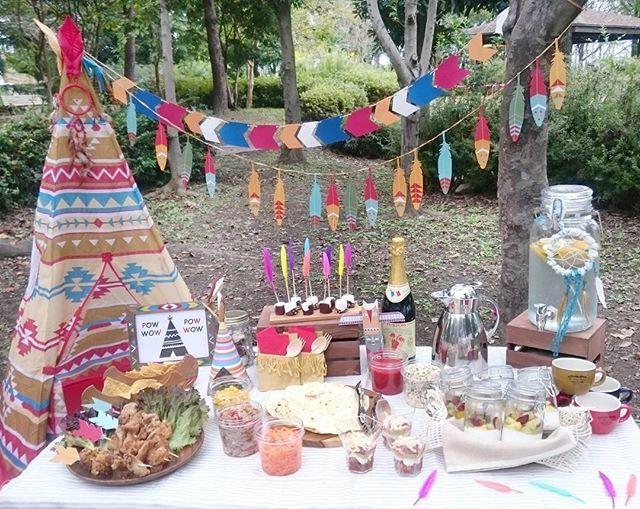 . #秋のおしゃピク テーマは#インディアン   #おしゃピク には テーマの設定 が大切♪  #ティピー 張って #ガーランド 飾って  Pow❗Wow❕Picnic❗Party❕  #パーティースタイリング#パーティーコーディネート#パーティーアイデア#パーティープランナー#パーティー#おしゃれピクニック#ピクニック#ディスプレイ#ネイティブ#インディアンパーティー#手作り#100均#ダイソー#オフノオン#カルディー #powwow#powwowparty#partyideas#party#picnic#display#indiansparty#teepee#talkingtables#kitchenkitchen