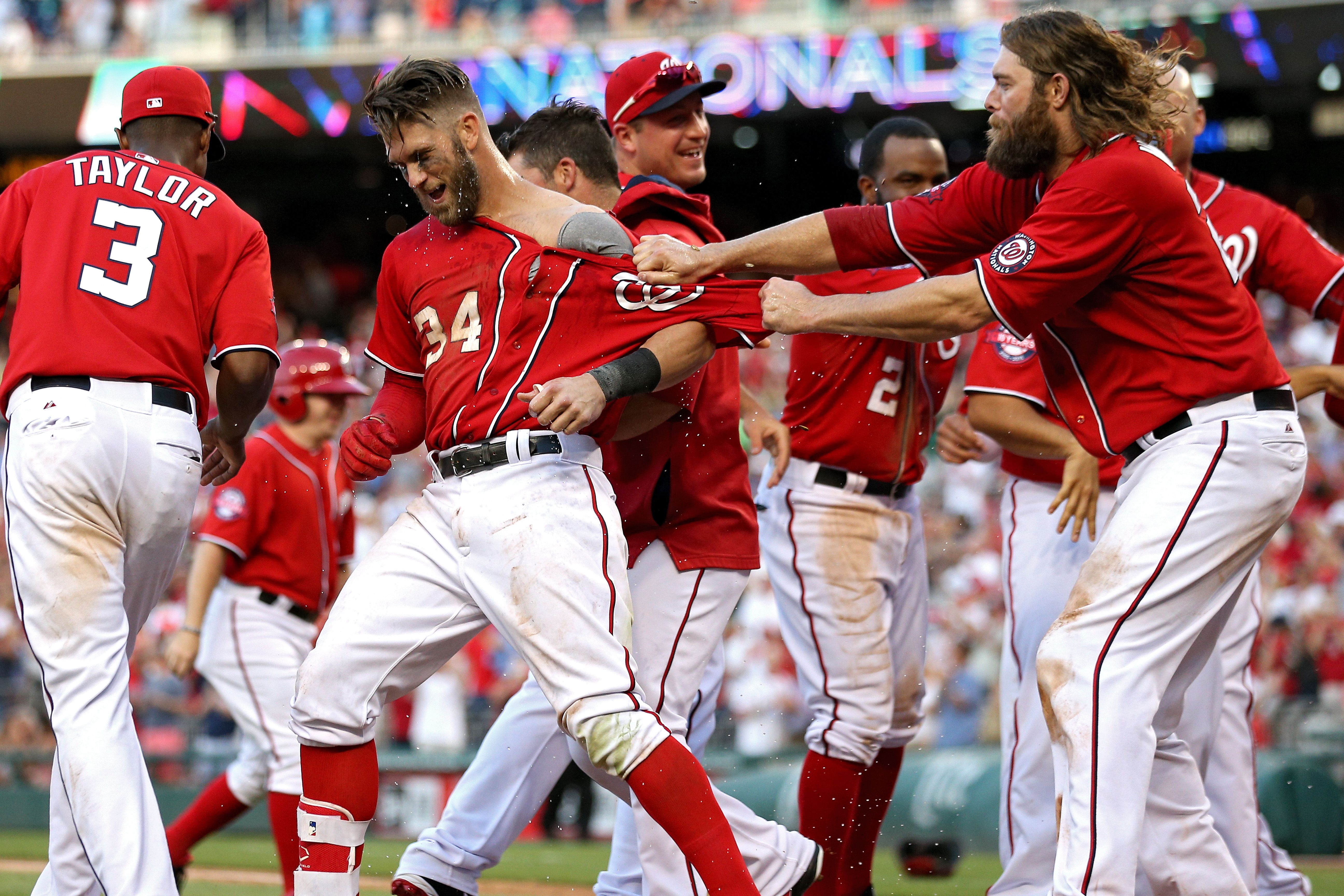Bryce Harper Hit The Third Walk Off Home Run Of His Career This Afternoon To Lift The Nationals To An 8 6 Win Bryce Harper Washington Nationals Braves