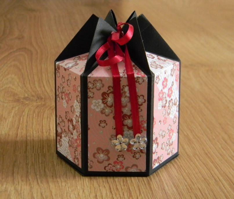 diy bo te cadeau hexagonale papercraft diy papier pinterest bo te hexagonale merci pour. Black Bedroom Furniture Sets. Home Design Ideas