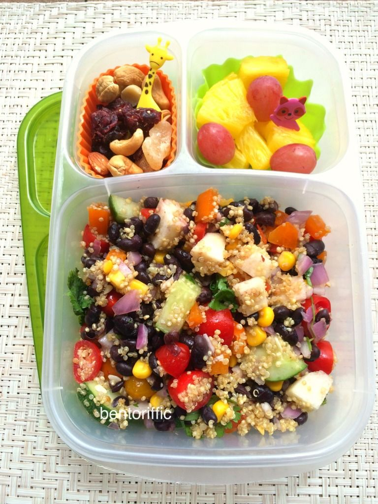 Southwest Quinoa Salad In Easylunchboxes Container