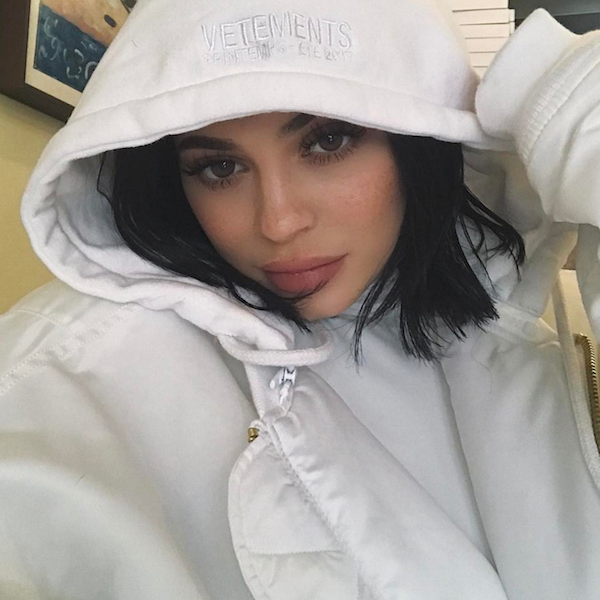 "Kylie Jenner Shares ""Inspiring"" Work From Makeup Artist Who Threatened To Sue Her - http://oceanup.com/2017/01/25/kylie-jenner-shares-inspiring-work-from-makeup-artist-who-threatened-to-sue-her/"