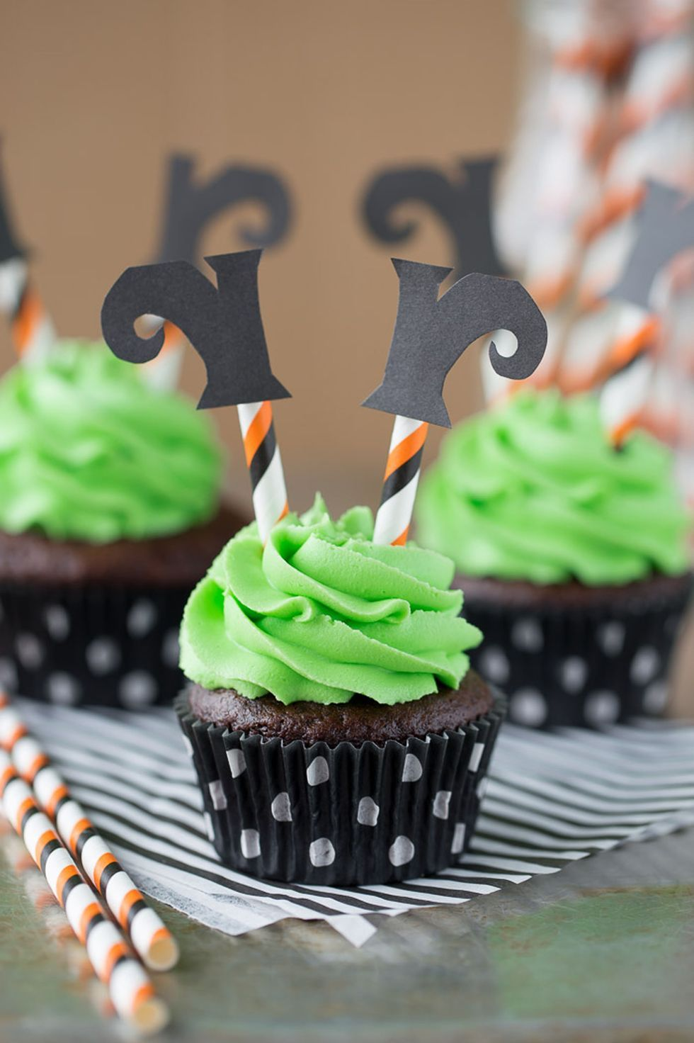 50 Halloween Cupcakes Recipes that are too spooky to be cute - Hike n Dip