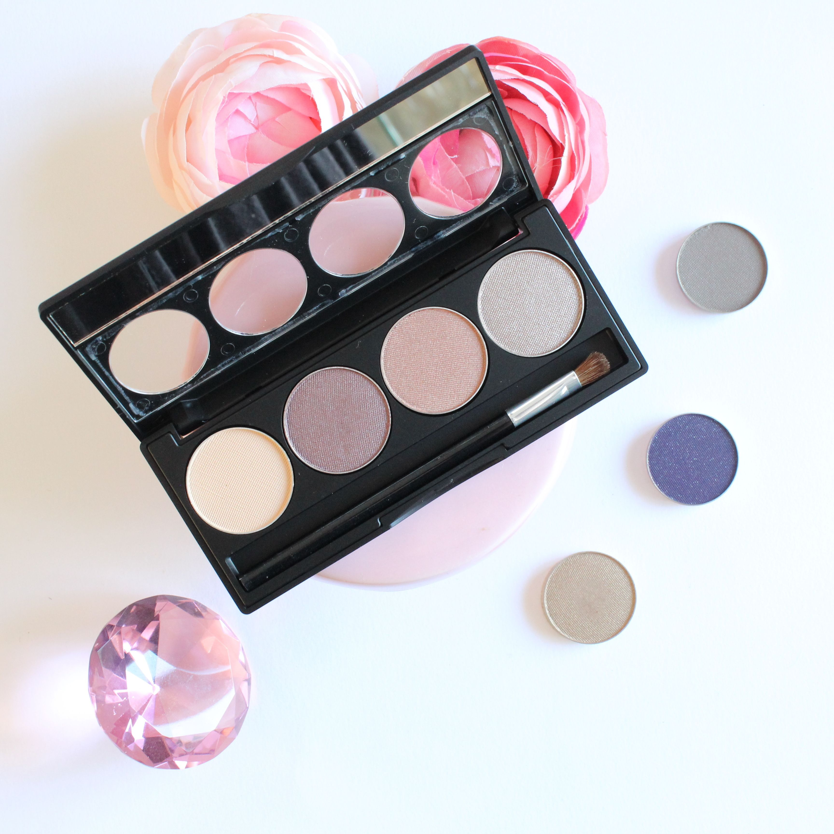 Phoenix Eyeshadows are designed for easy and long lasting wear. We have a wonderful array of colours to choose from. They have beautiful matte, reflective, shimmer and satin textures.