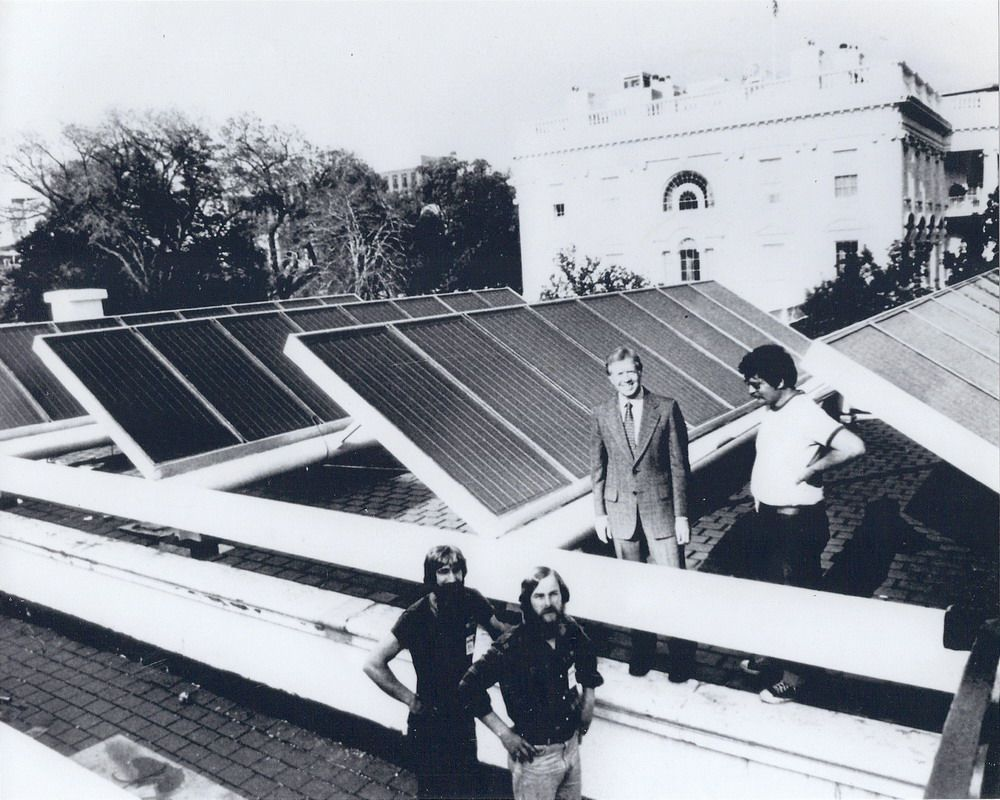 White House Solar Energy Is At Long Last Back In Order Http Www Thevoltreport Com White House Solar Obama Upgrade 2013 Thing 1 Energia