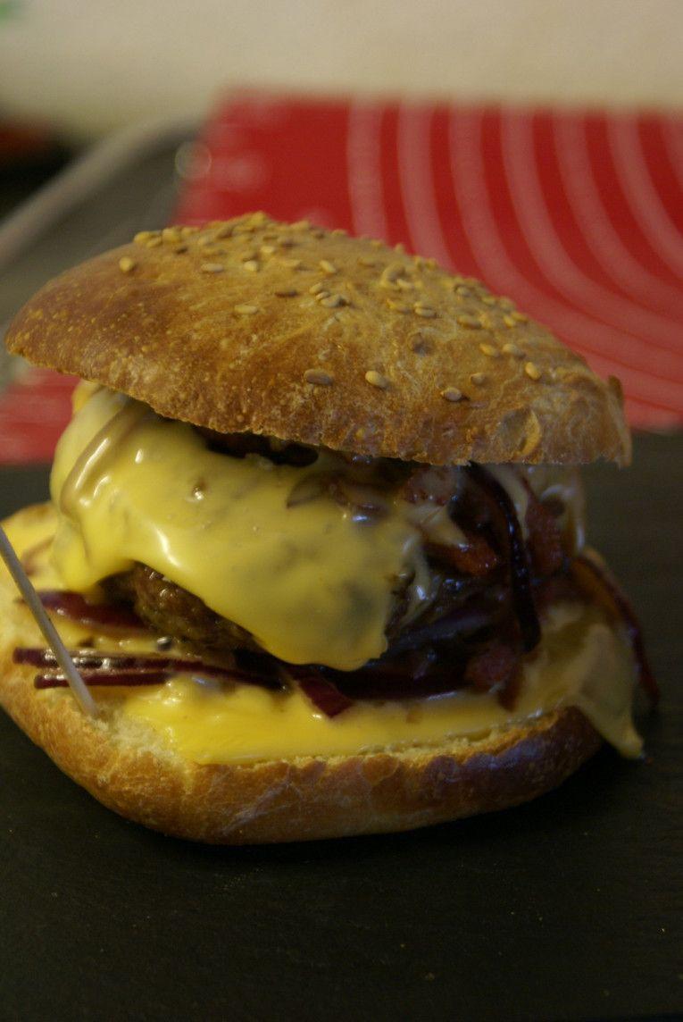 Hamburgers tout fait maison. (avec images) | Fait maison, Recette, Hamburgers