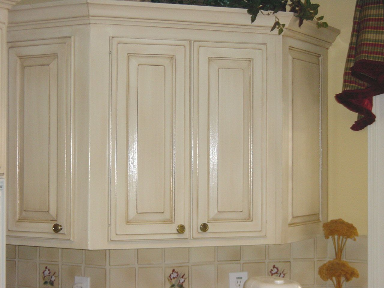 How To Antique Cabinets Black Click On An Image To Enlarge