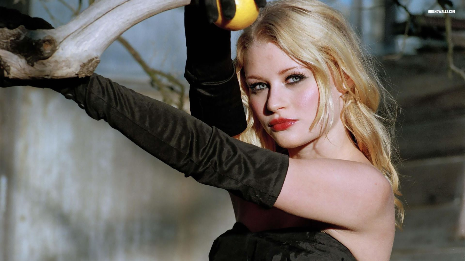 Emilie De Ravin Emiliederavin Emilie De Ravin Cool Eyes Pictures