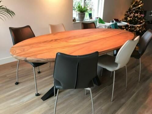 Unieke tafel op maat gemaakt door woodindustries woodindustries